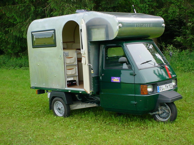 piaggio ape tm camper retrailer. Black Bedroom Furniture Sets. Home Design Ideas