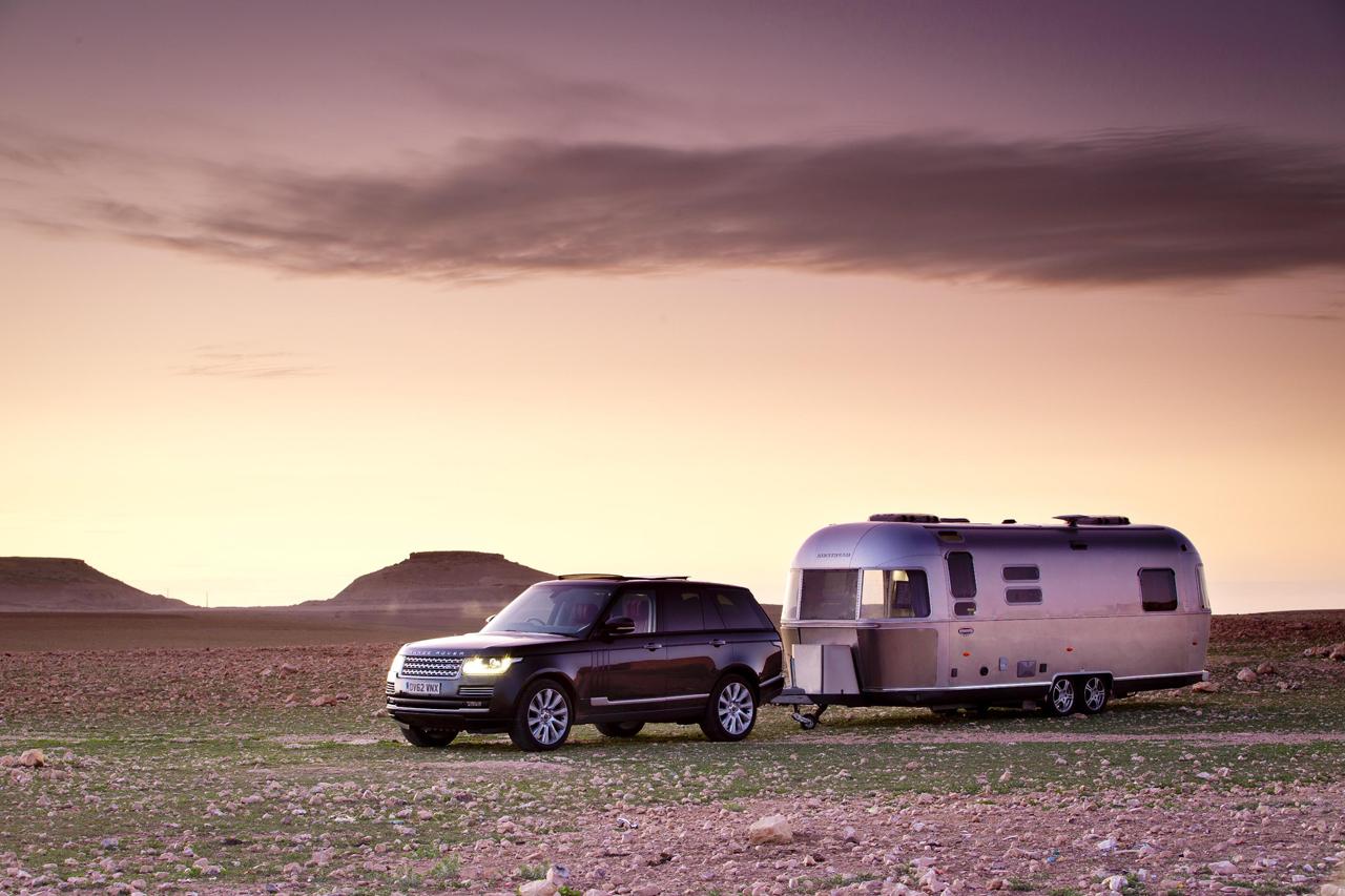 Путешествие нового Range Rover и Airstream из Англии в Марокко