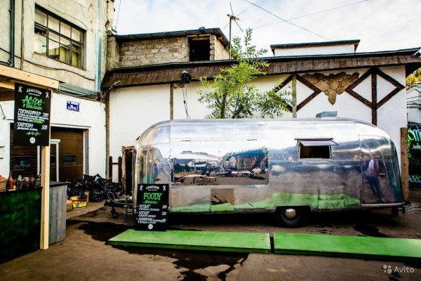 Фудтрак Airstream Land Yaht 6