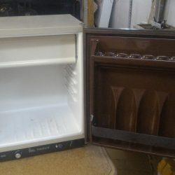Холодильник Linealuce FS 603 1