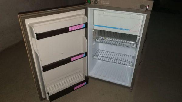 Холодильник Electrolux RM276
