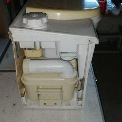 Thetford C4 с электромагнитным клапаном 1