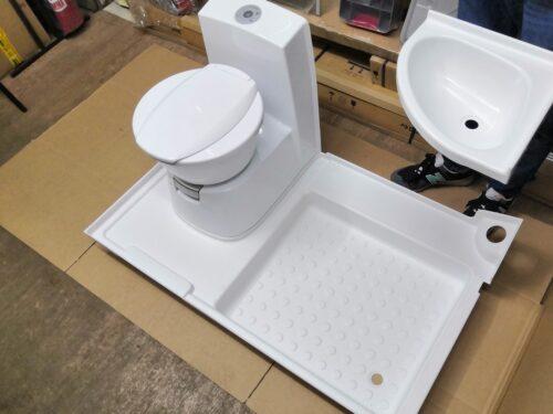 Оснащение санитарной комнаты в кемпере