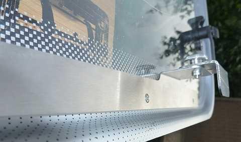 Запорное устройство WOMO на окно универсальное 1