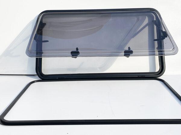 Откидное окно Bayrak пластик — купить онлайн с доставкой